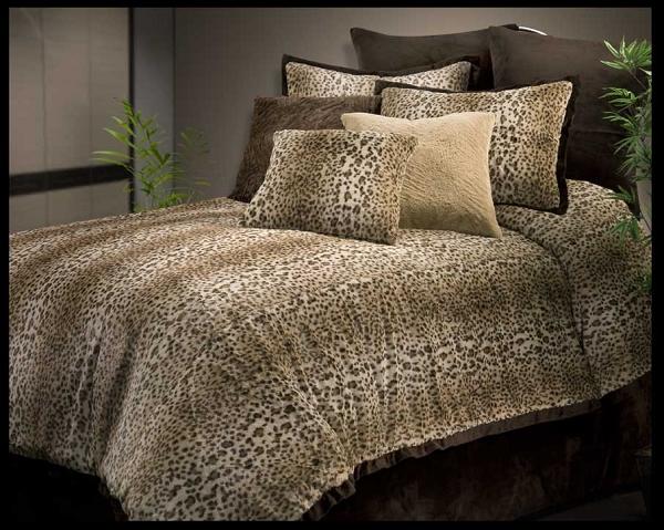 4pc Queen Comforter Set (Taupe