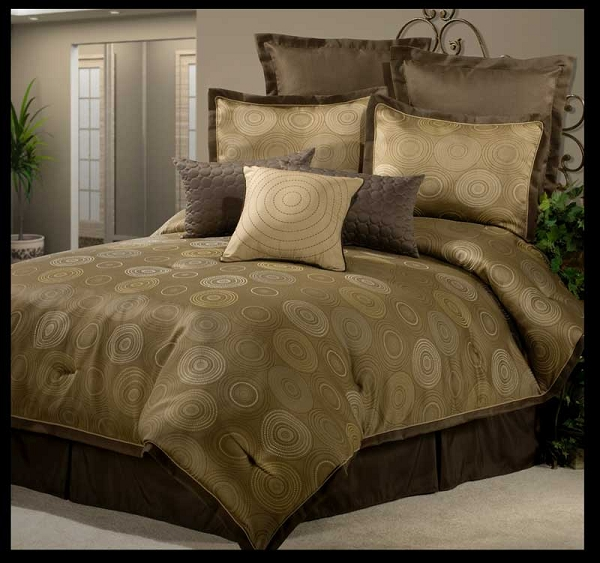 Constellation By Veratex 4pc Queen Comforter Set Leaf