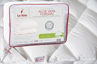 Aloe Vera Quilt by Le Vele, King Size, Hotel Quality Down Alternative Comforter, Anti-Allergic, Anti-Bacterial and Dust Repellent