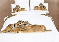 Devotion by Dolce Mela, 4pc Twin Duvet Cover Set with Affectionate Scene of Cuddling Baby Tiger and Baby Lion in Dolce Mela Gift Box, DM483T