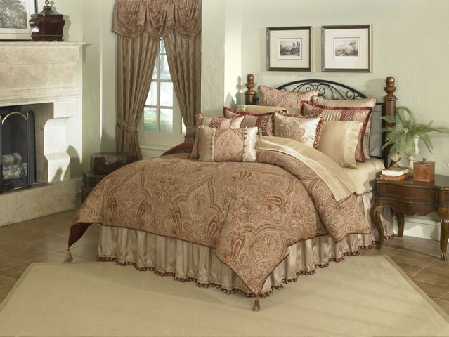 Castille 4 Pc King Comforter Set Garnet