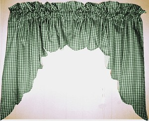 Hunter Green Scalloped Window Swag Valance With White